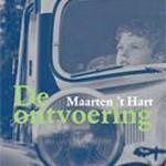 'De ontvoering' – Maarten 't Hart schreef verhaal voor jubilerende boekhandel in Maassluis