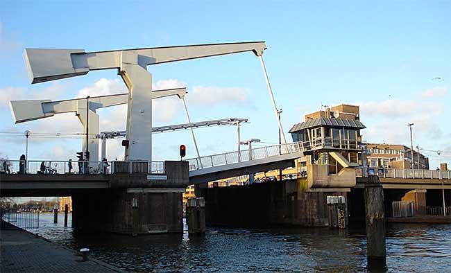 Rotterdam krijgt eerste bruggedicht